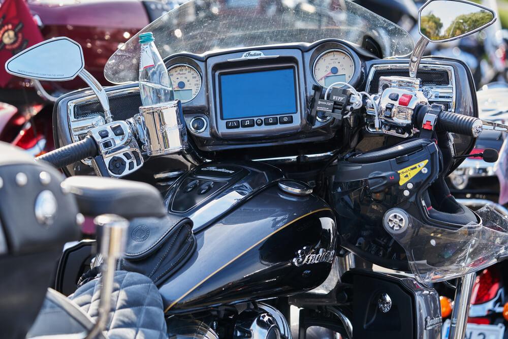 オートバイのダッシュボード