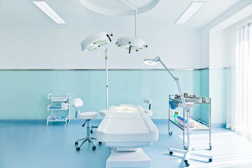 無人の手術室