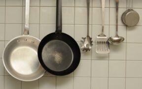 フライパンのおすすめ15選!料理研究家に愛用品を聞きました!