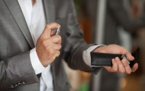 メンズ香水おすすめ人気ランキング13選!フレグランス大賞を受賞した逸品も