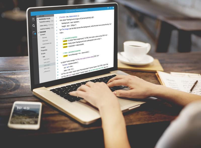 web記事のタイトルを編集する人
